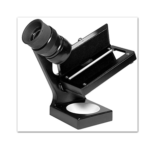 Ultra accurate tool for obtaining critical sharpness in photographic printing.