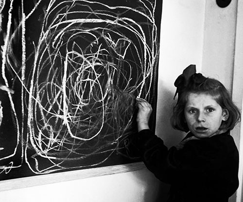 Tereska draws her home, by David Seymour/Magnum 1948